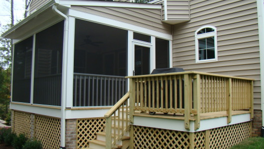 Screen porch  and grilling deck